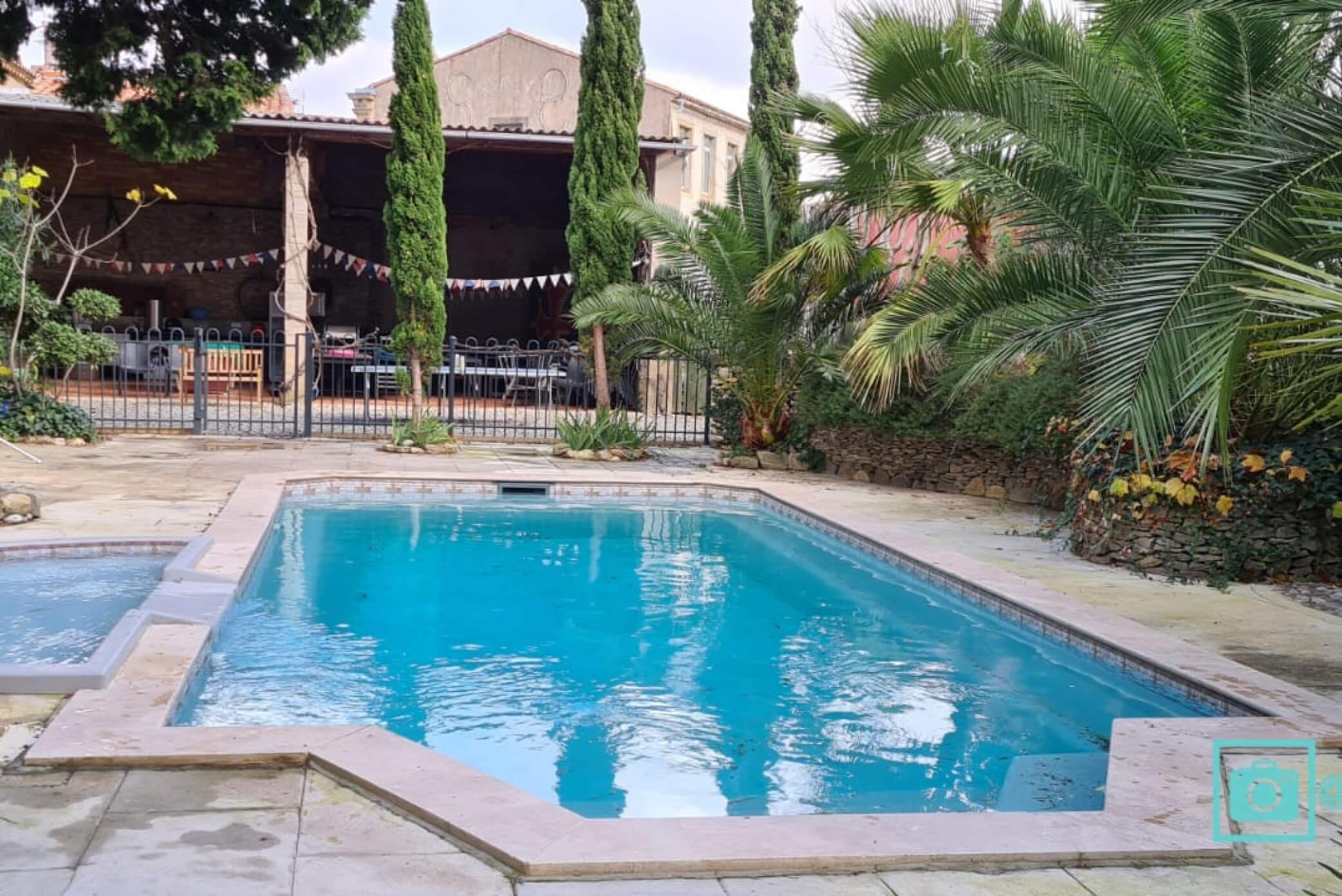Pool Living spaces La Maison